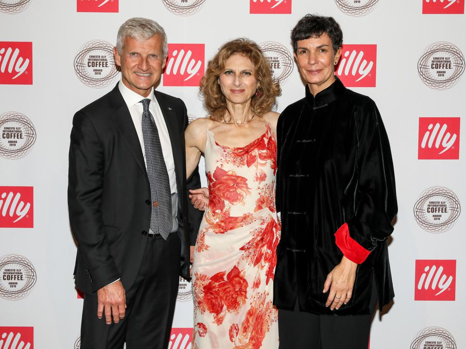 Andrea Illy (l), Joan Michelson (c), and Giovanna Gregori of Illy at the Ernesto Illy International Coffee 2019 Awards Gala