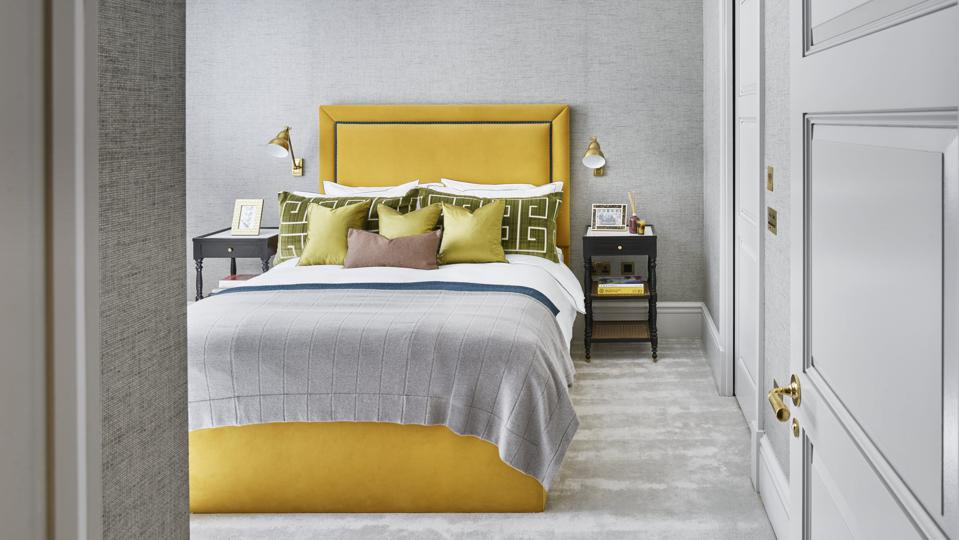 Designing Stylish Bedrooms With Yellow Accents
