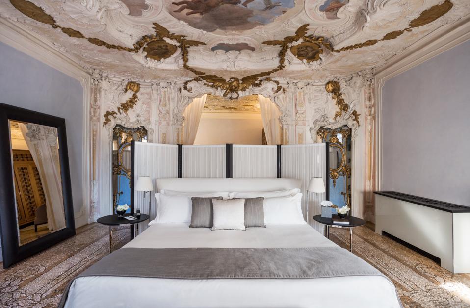 The Alcova Tiepolo Suite at Aman Venice.