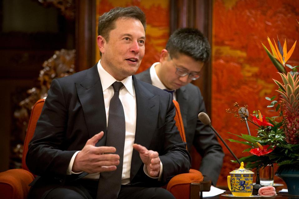 Elon Musk meets with Chinese Premier Li Keqiang.