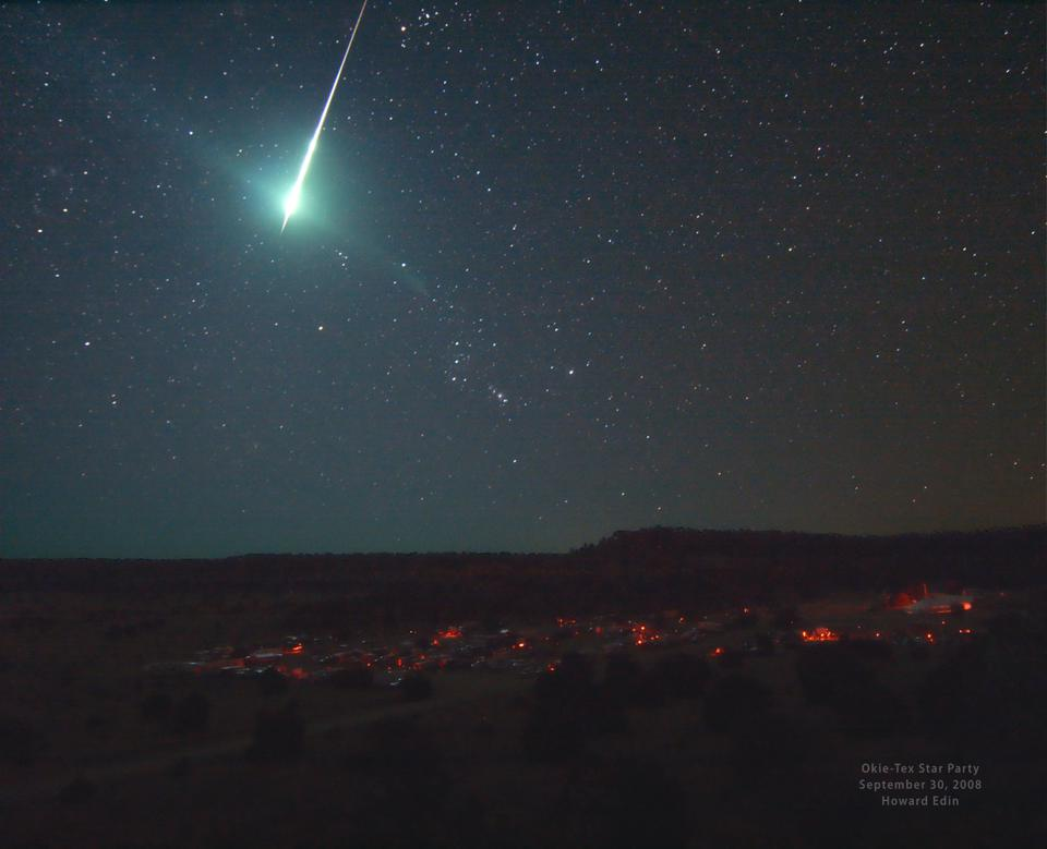 Fireballs could be visible in the night skies this Halloween as the Taurid meteor shower peaks.