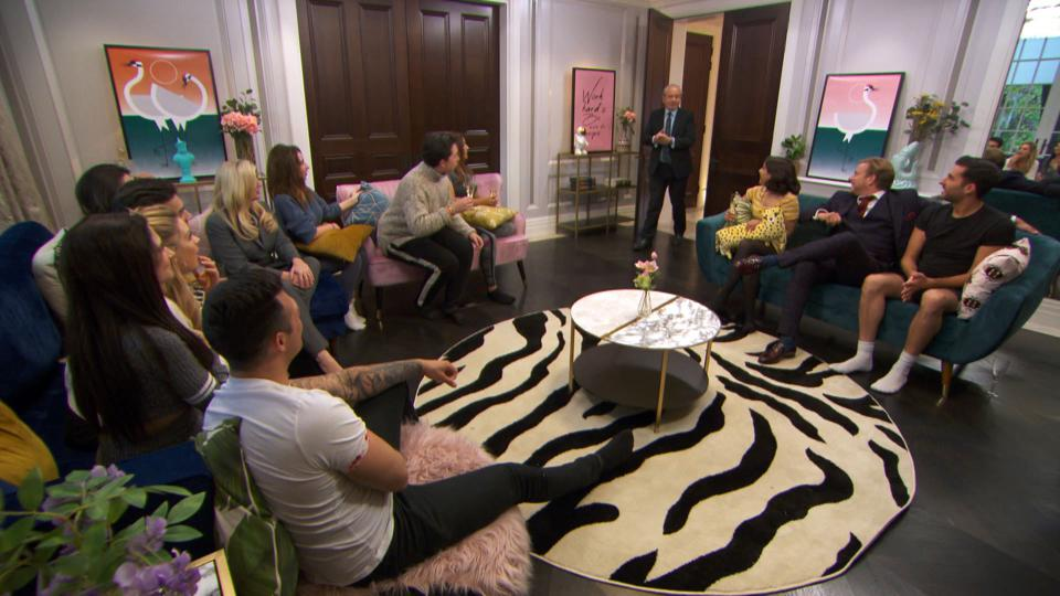 Lord Sugar visits the apprentice candidates at home in episode five.