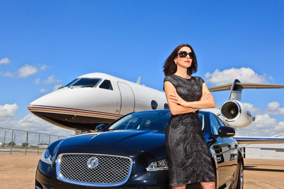 Janine Iannarelli's passion for aviation fueled a thriving business selling business jets.