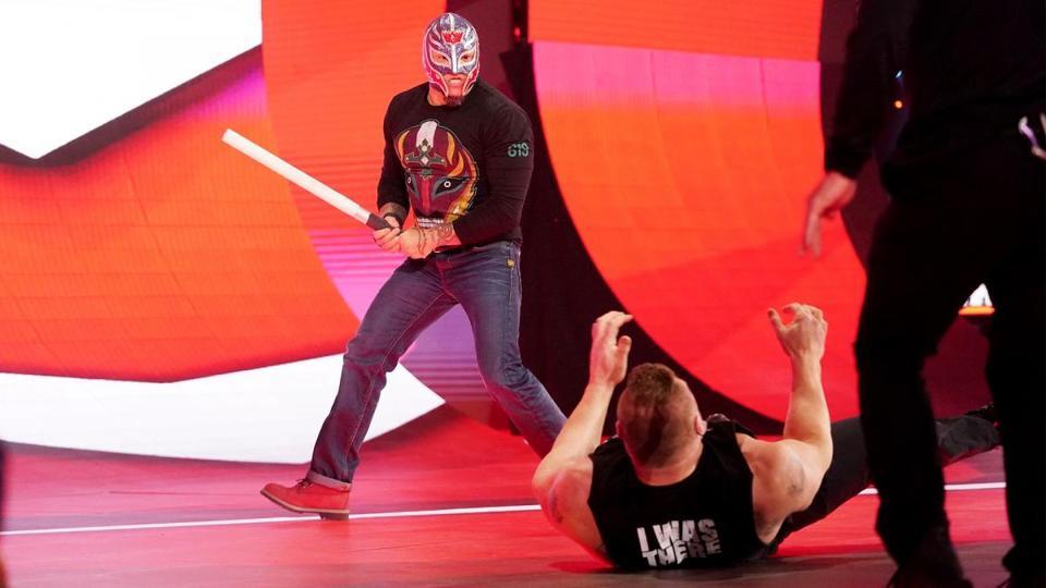 WWE Survivor Series: Rey Mysterio and Brock Lesnar