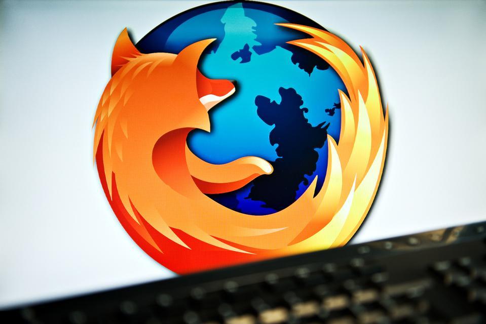 A screen displays the Firefox logo