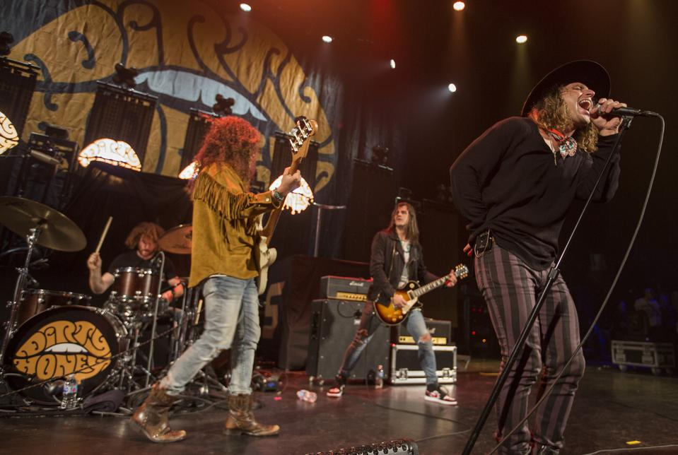 Dirty Honey performs Thursday, October 10, 2019 on stage at Chicago Theatre (Photo by Barry Brecheisen)