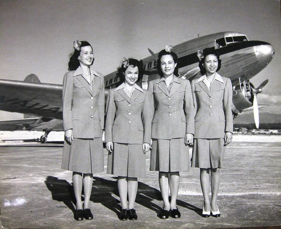 Hawaiian Airlines 1943 flight attendants