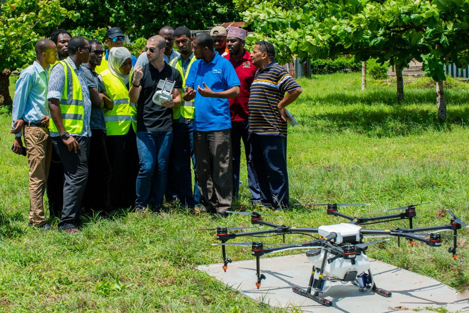 Training session on the DJI Agras MG1-S spray drone against malaria, in Tanzania.