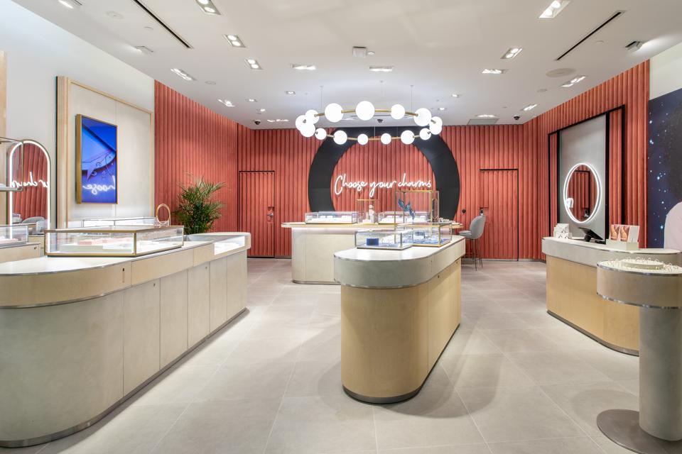pandora jewelry store locations