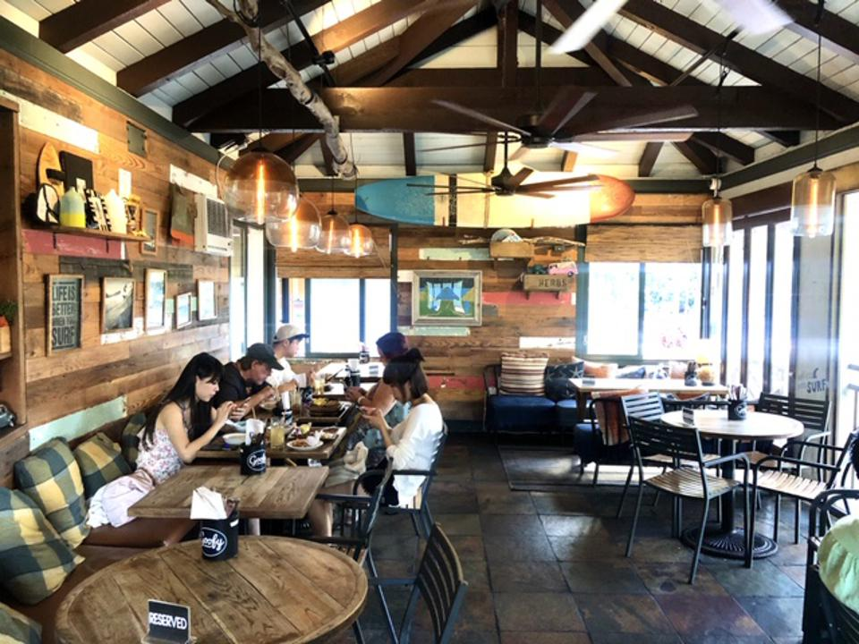 The dining room inside of Goofy Café + Dine in Waikiki.