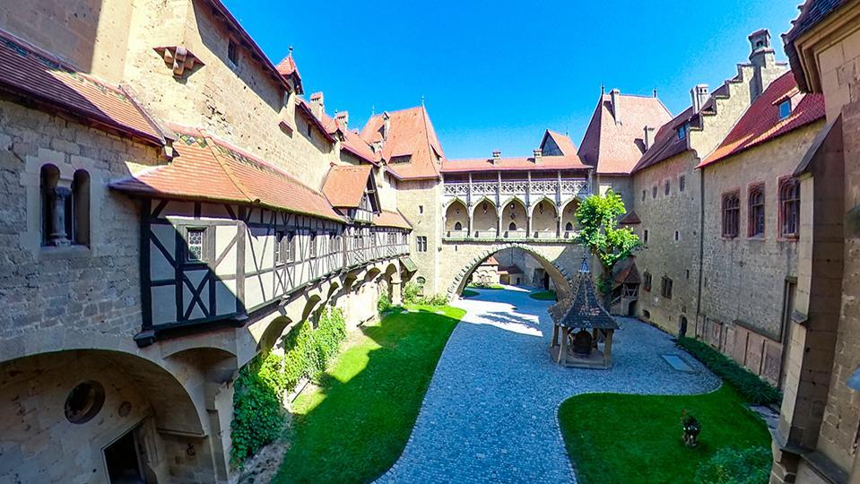 Burg Kreuzenstein courtyard