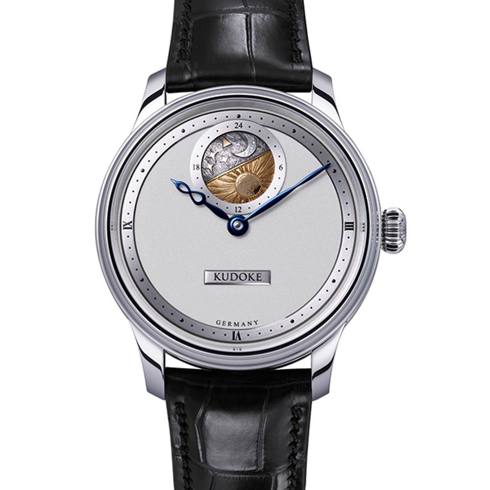 Winner of the Petite Aiguille prize (for watches with a retail price of under $8,000) was the Kudoke 2 by Stefan Kudoke, a German independent watchmaker.
