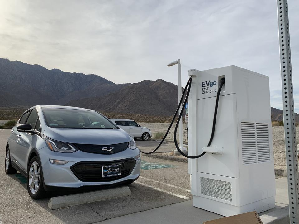 In The Shadow Of Tesla Supercharger Behemoth, EVgo Races To
