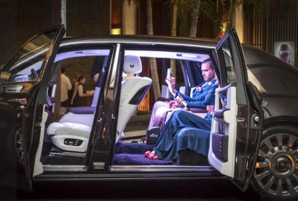 Luksuzne storitve, ki so bile brez storitev, Nacer Tazi Concierge Black Edge