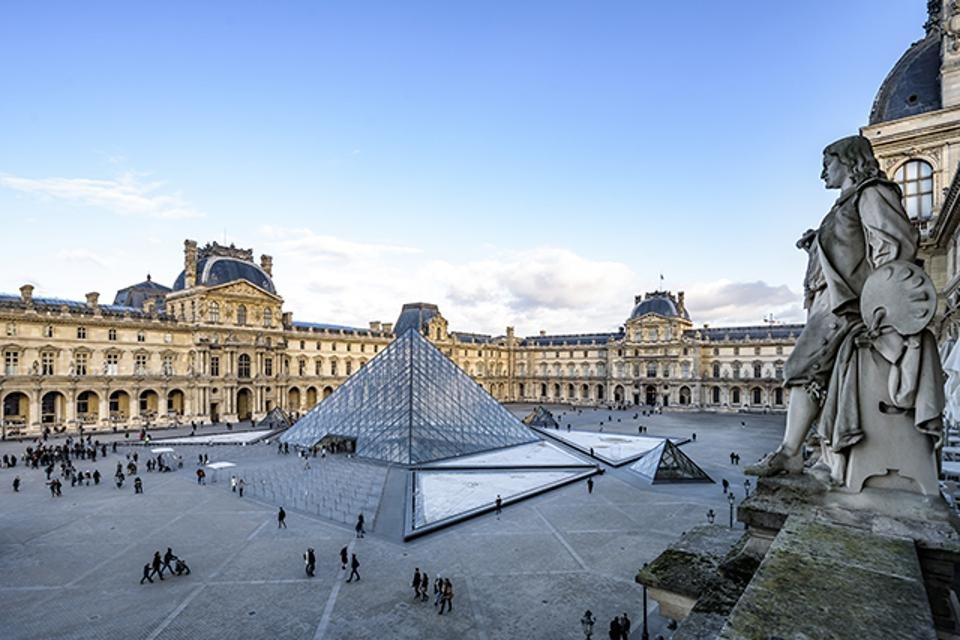 Vacheron Constantin will collaborate on future projects with the Louvre Museum.