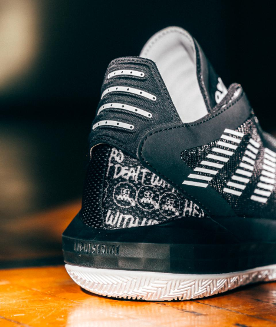 Dame 6 Adidas sneaker