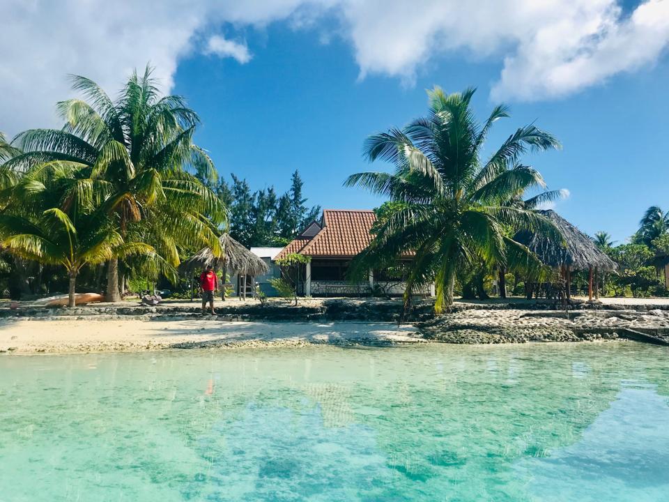 Toku Kaiga, accommodation on Anaa