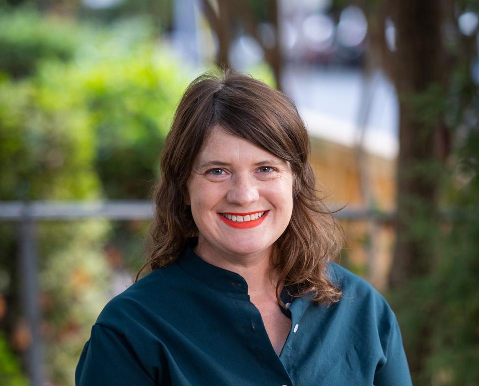Michelle Miller headshot