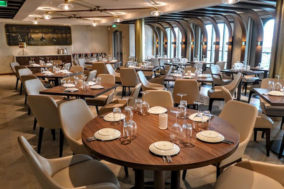 The Haven private dining room on Norwegian Encore