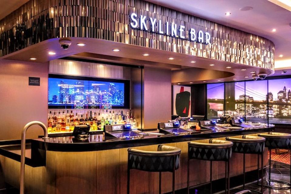 Skyline Bar on Deck 7, Aft