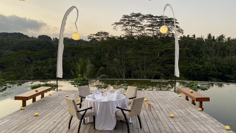 Private Romantic Dinner on the Rooftop Lotus Pond at the Four Seasons Sayan