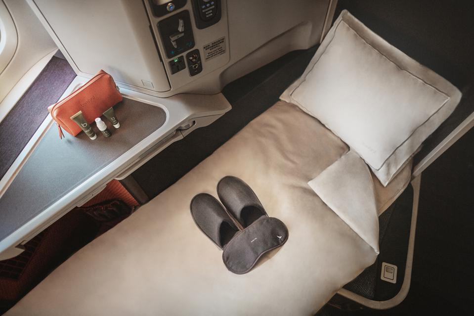 Cathay Pacific x Bamford New Business Class Soft Products - Amenity Kit