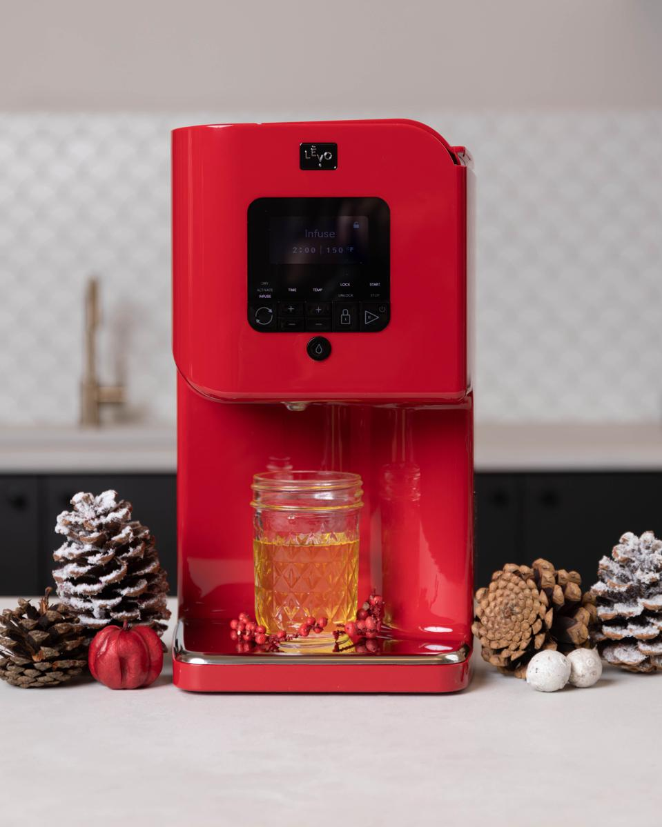 Levo, Levo Oil, oil infuser, cooking with cannabis, cannabis gift guide, luxury cannabis