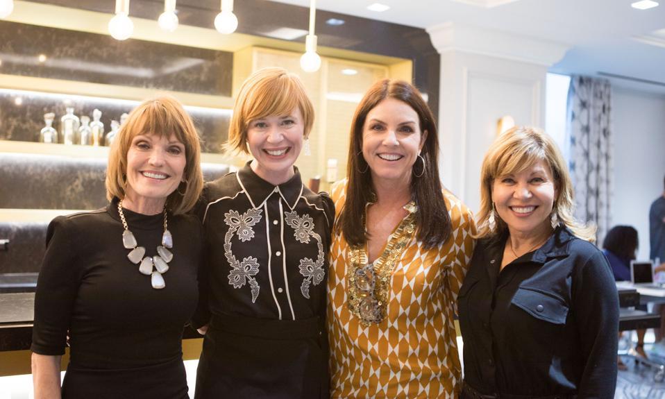A nők vállalkozói vezetői intézetének panelistái a texasi Austinban, Austinban.