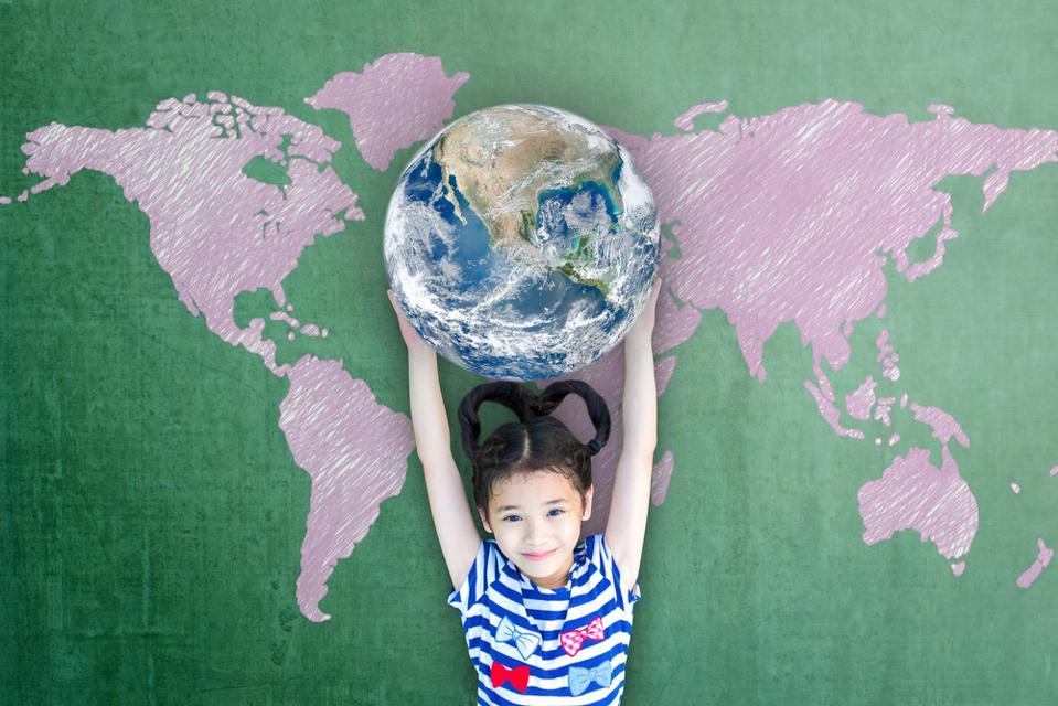 Циљеви УН-овог одрживог развоја укључују циљеве трансформацијског образовања.