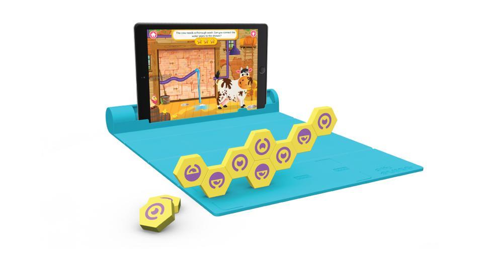 Plugo Link game