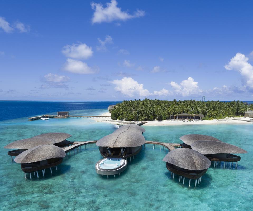 St. Regis Maldives Vommuli Resort spa