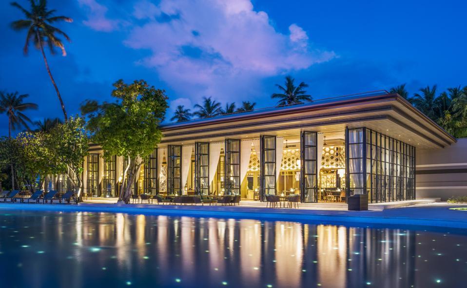 night restaurant maldives