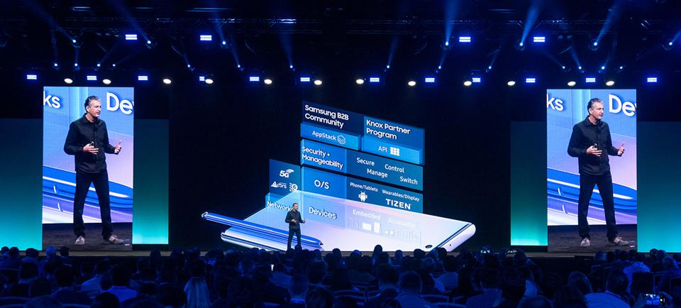 Image of Taher Behbehani, Samsungs EVP and GM of B2B Mobile, speaks on stage at the 2019 Samsung Developer Conference.