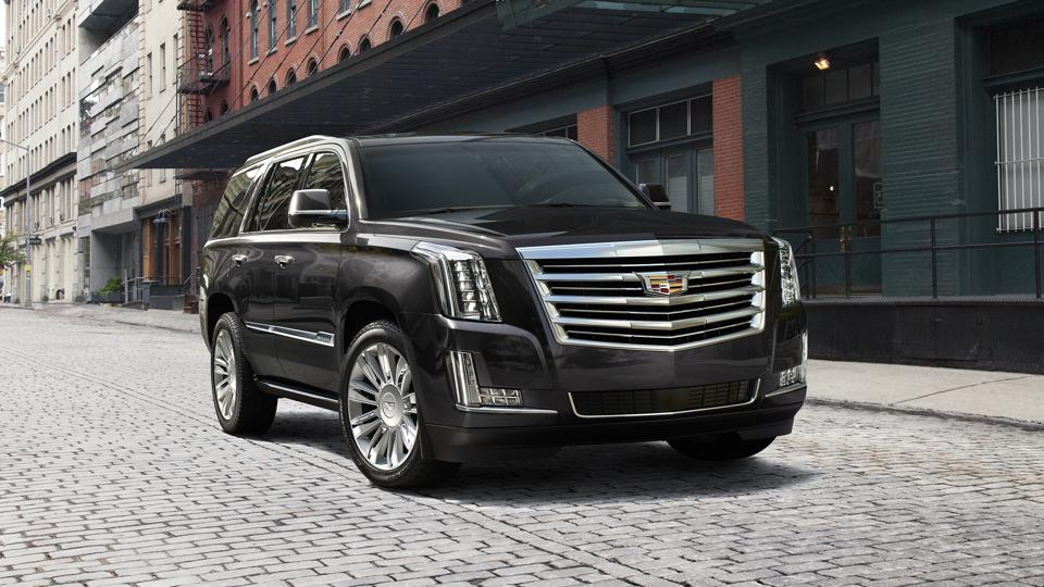 As part of its Black Friday promotion, Cadillac is offering buyers $8,000 cash back on a 2019 Escalade or Escalade ESV.
