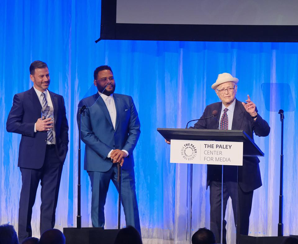BEVERLY HILLS, CA – NOVEMBER 21: Presenters Anthony Anderson and Jimmy Kimmel with Honoree Norman Lear at The Paley Honors: A Special Tribute to Television's Comedy Legends in Beverly Hills on November 21, 2019. © Michael Bulbenko for the Paley Center