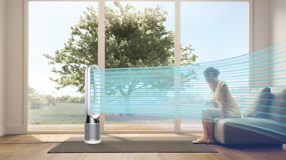 Dyson TP04 Purifying Tower cooling a room.