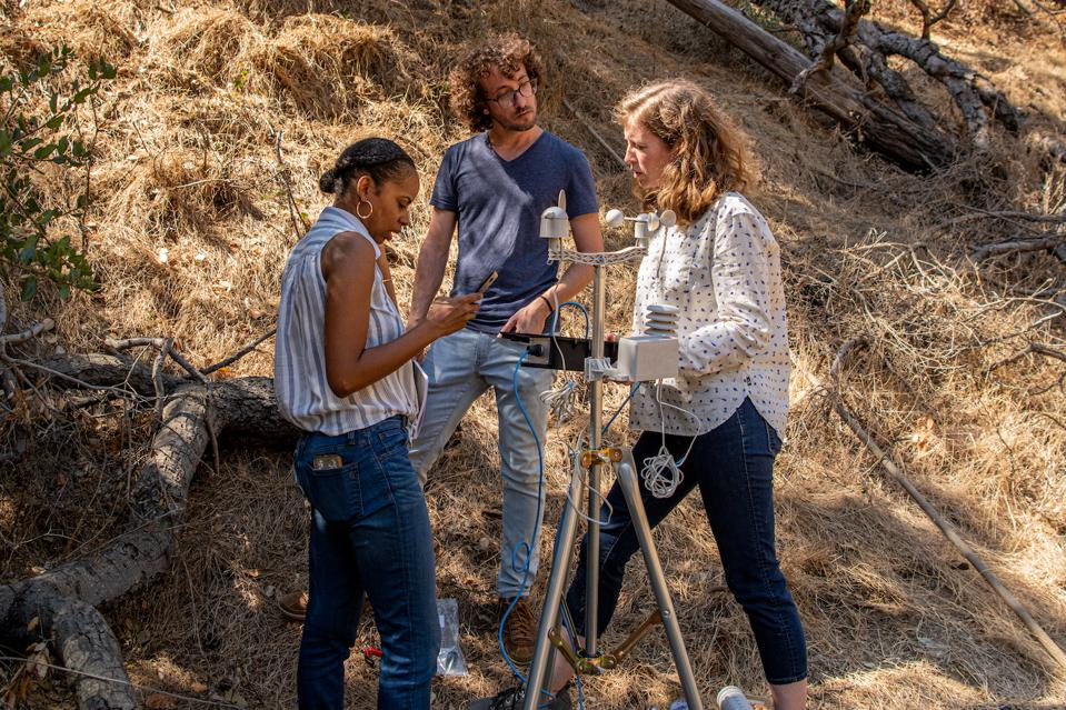 Members of the FieldKit team doing some field and user experience testing in Griffith Park in LA. They are Jacob Lewallen (FieldKit Principal Engineer), Lauren McElroy (FieldKit UX/UI Designer), and Libbey White (FieldKit Software Engineer).