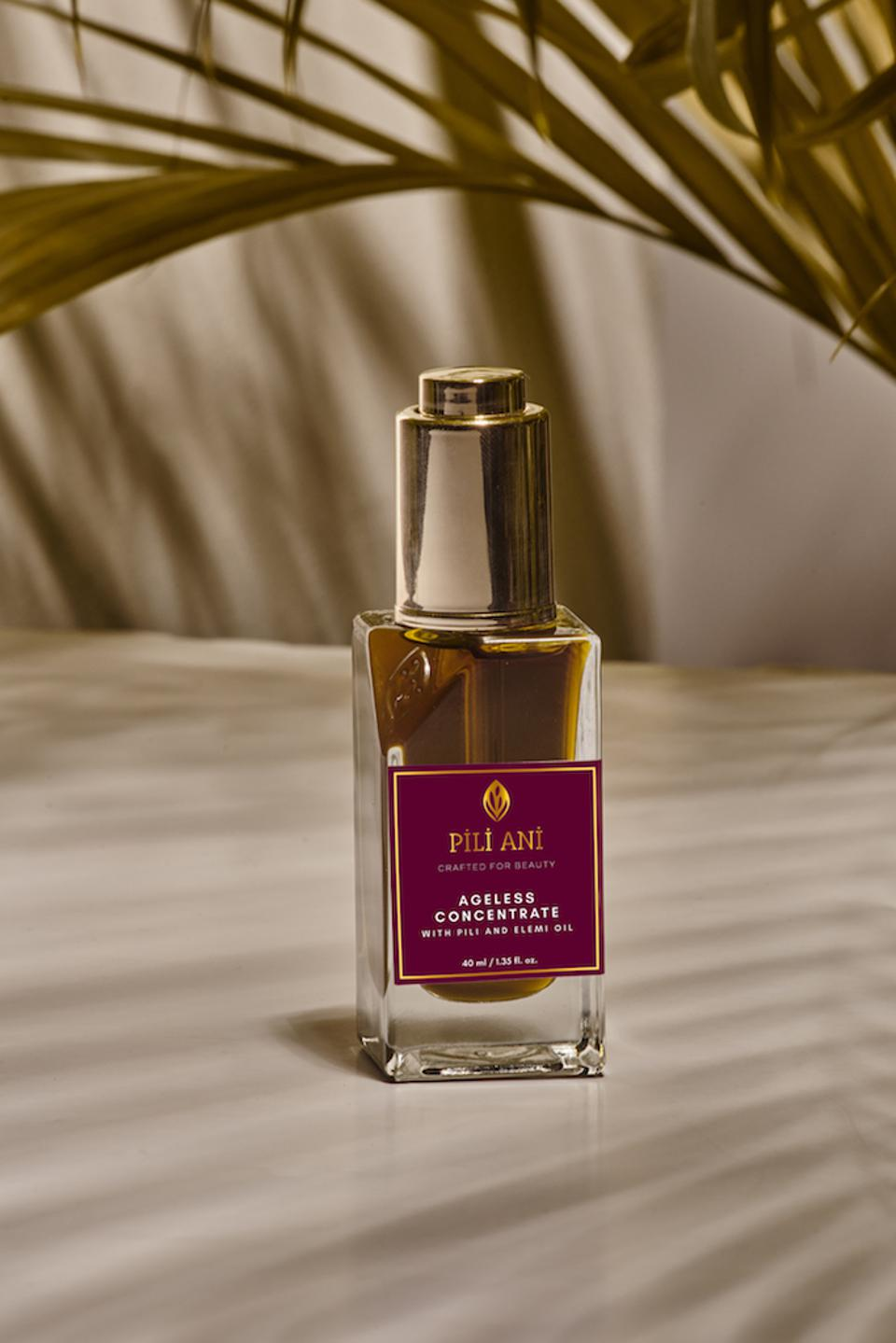 The Ageless Concentrate was lovingly crafted by artisan at Pili Ani to become an essential for any beauty ritual.