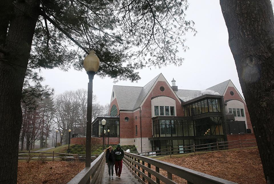 Mount-Ida-College