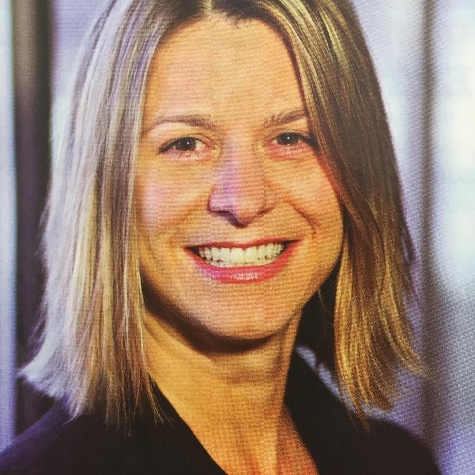 Headshot of Carrie Romano