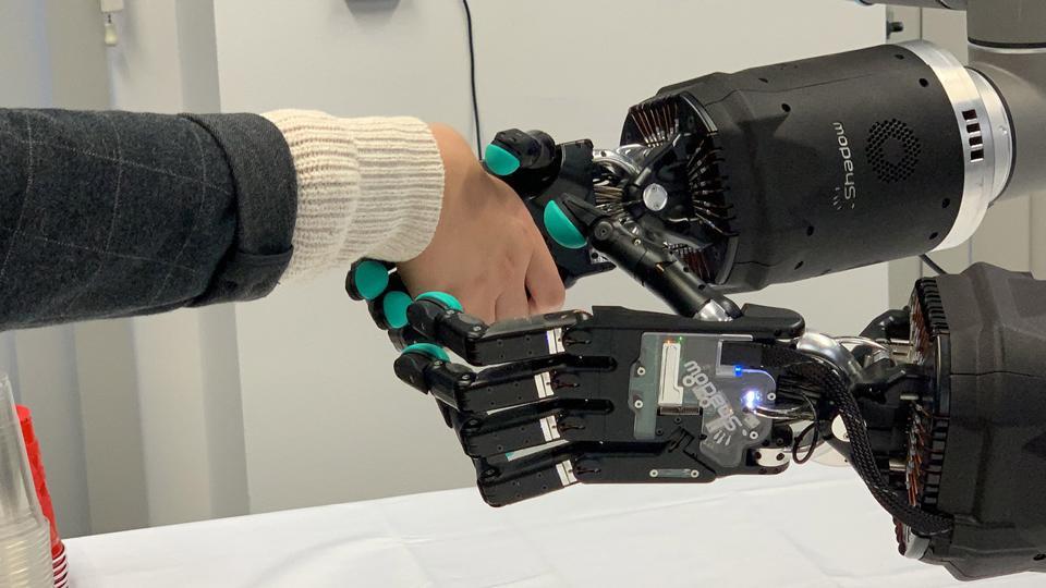 Man and Machine - Shadow Hand with BioTac Sensors