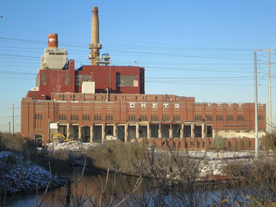 Hilco is demolishing this coal plant.