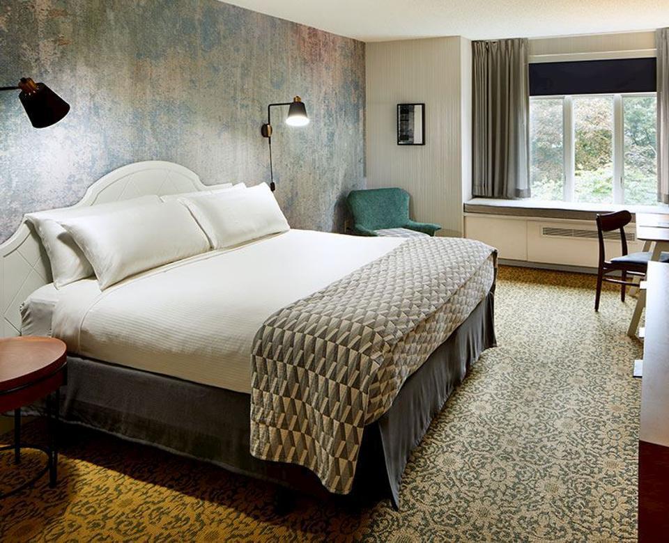 Estate King Guestroom