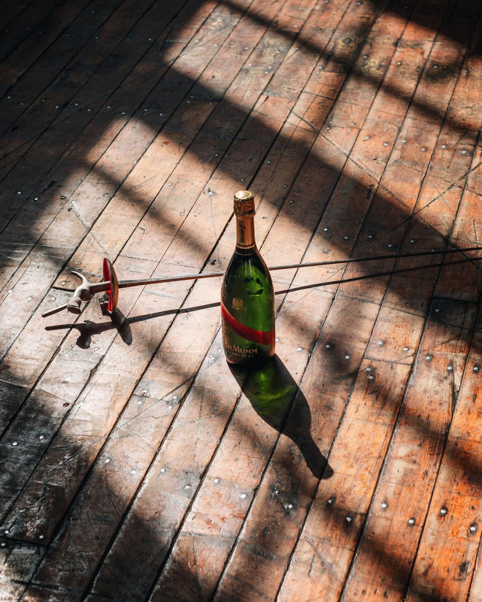 Champagne and the art of fencing