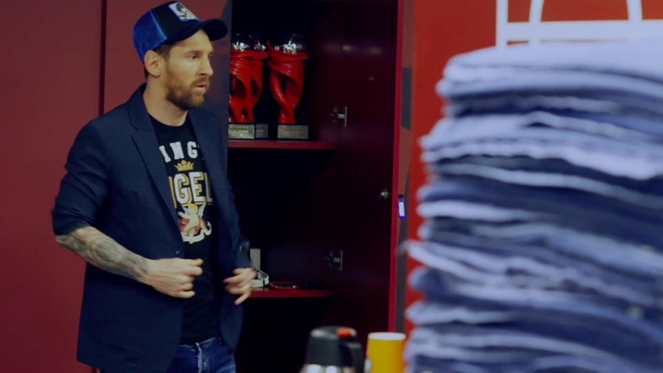 Lionel Messi in relaxed mode in the changing room on matchday.