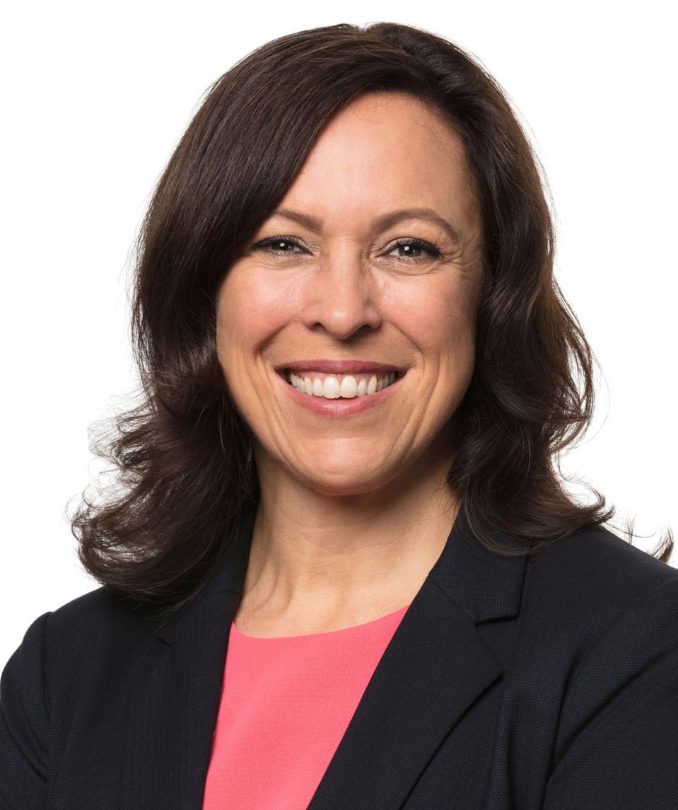 Victoria Roos-Olsson