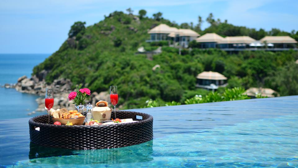 Banyan Tree Koh Samui Floating Breakfast