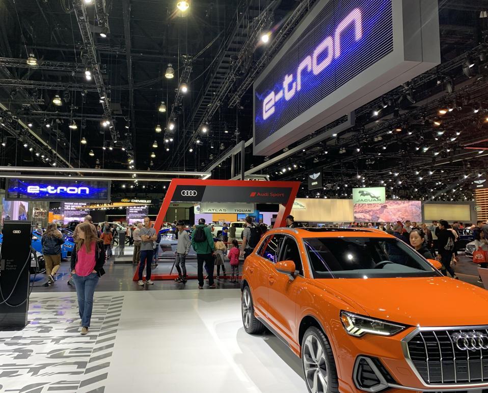 Audi e-tron display