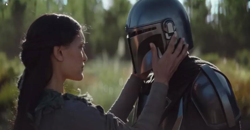 'Star Wars' Fans Aren't Arguing About 'The Mandalorian' And It's Weird