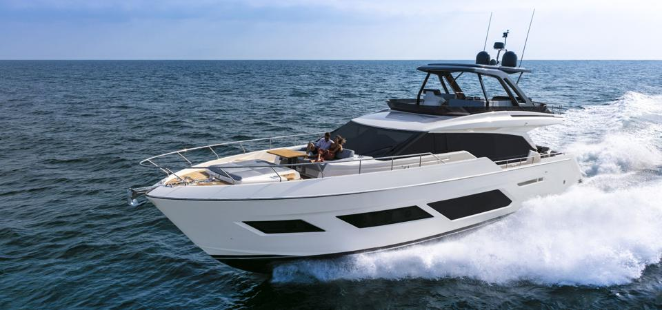 Ferretti Yachts 720 features a large flybridge and plentiful areas to catch rays.